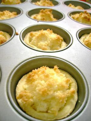 Macaroon tarts
