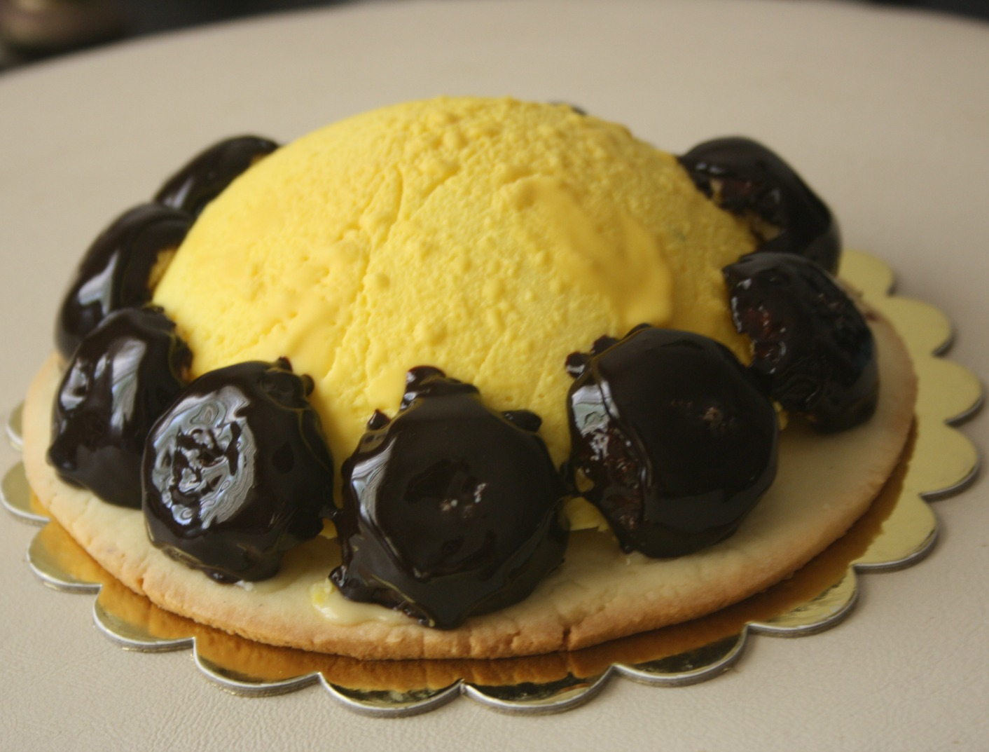 yellow and chocolate gourmet cake