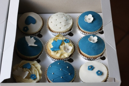 bake at home cupcakes white, blue flower and butterfly toppers