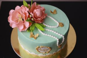 customize homemade birthday cake for mamar